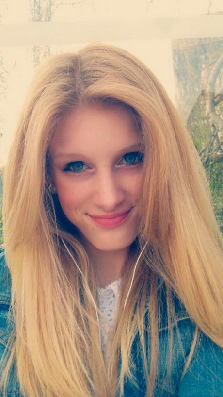 blaue augen dunkle haare