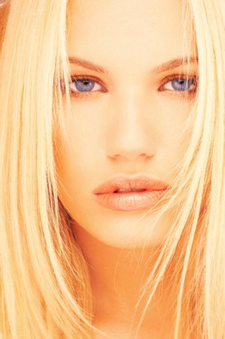 blondierte haare hellblond f rben. Black Bedroom Furniture Sets. Home Design Ideas