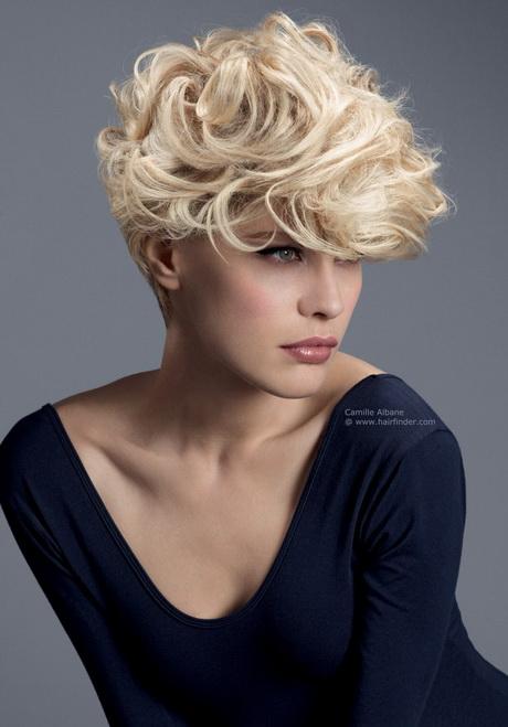 Dauerwelle Bei Langem Haar