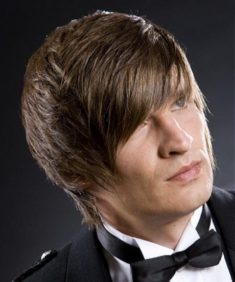 frisur mann lange haare