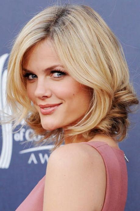 Mittellange haare frisuren sidecut frisuren prom frisur bilder eine