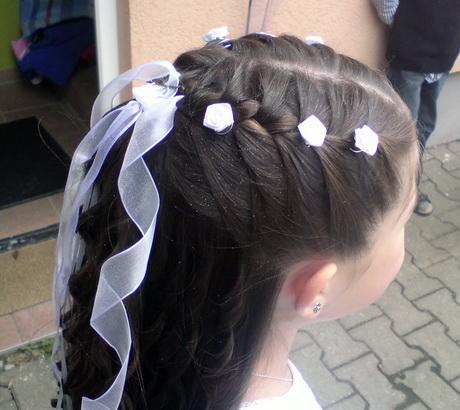 Hochsteckfrisuren Kommunion Haarschnitte Damen Mittellang