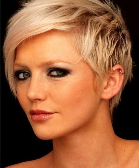 Kurzes Haar Blondine Betrug