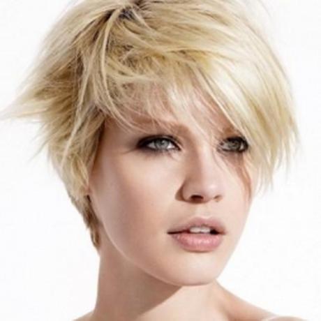 herrenfrisuren mit glatze