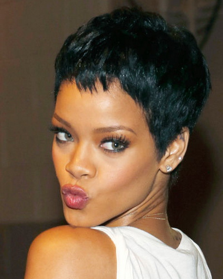 pin images of frisuren von rihanna com wallpaper on pinterest. Black Bedroom Furniture Sets. Home Design Ideas