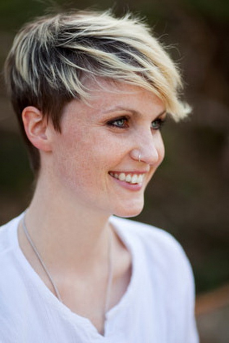 Pixie Short Brown Hair with Blonde Highlights
