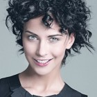 Frisur kurz locken