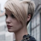 Frisuren blond kurz