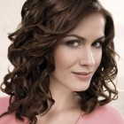 Frisuren damen locken
