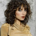 Frisuren mit locken 2015