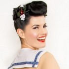 Pin up frisuren kurze haare