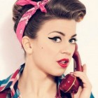 Pin up frisur
